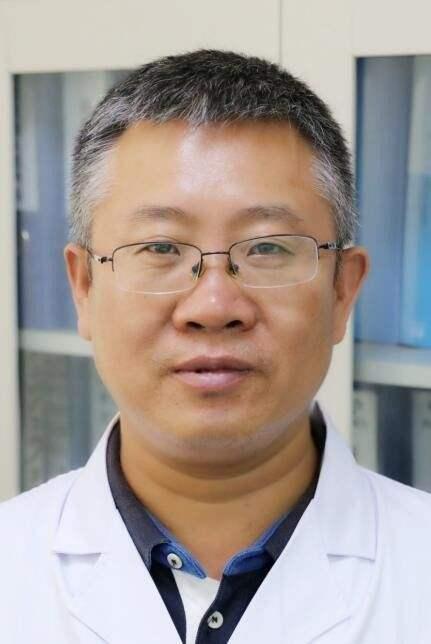周雍明副主任医师